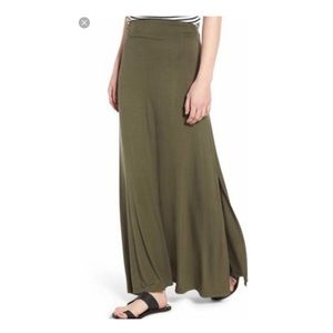 🔥30%OFF🔥EUC a.n.a olive green maxi skirt size XL